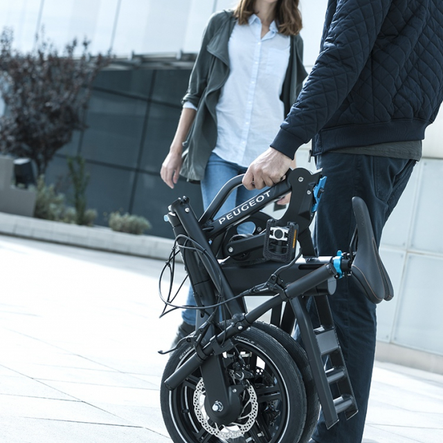 Electric folding bike Peugeot eF01