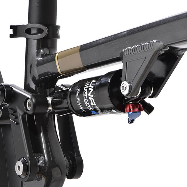 Focus on Suntour Unair suspension of the eT01 FS Touring Powertube Peugeot bike